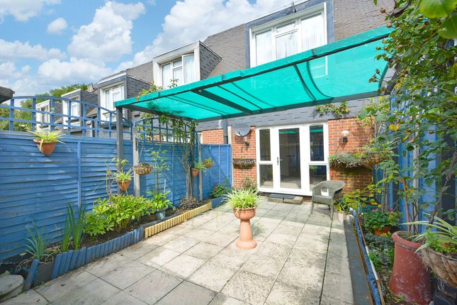 Thumbnail Terraced house for sale in Ludwick Mews, London
