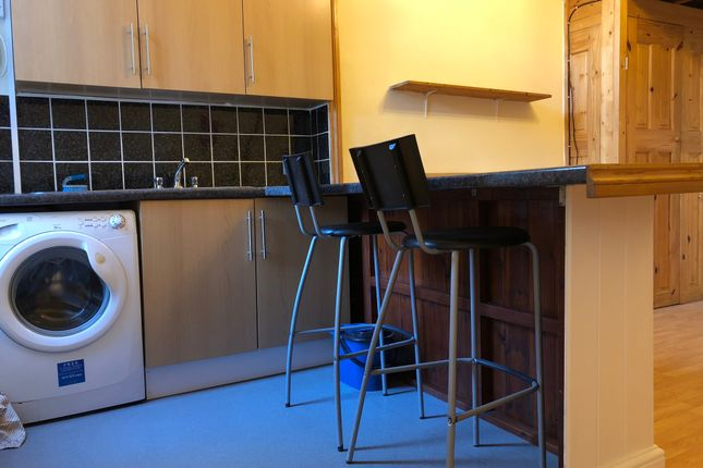 Thumbnail Studio to rent in Brondesbury Villas, Kilburn, Queen's Park