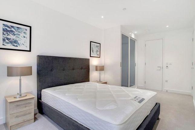 Flat to rent in Bromyard Avenue, Acton