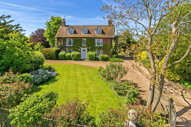 Thumbnail Detached house for sale in Kings Walden Road, Offley, Hitchin