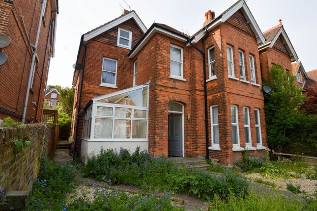 2 bed maisonette to rent in Enys Road, Eastbourne