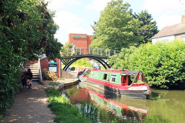 Thumbnail Flat to rent in Florey Gardens, Aylesbury