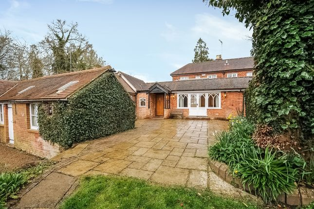 5 bed detached house to rent in Outwood Lane, Outwood, Redhill