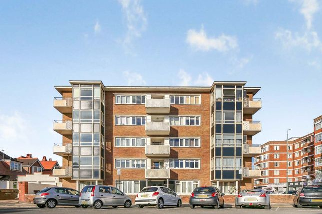 2 bed flat for sale in Princes Avenue, Hove BN3