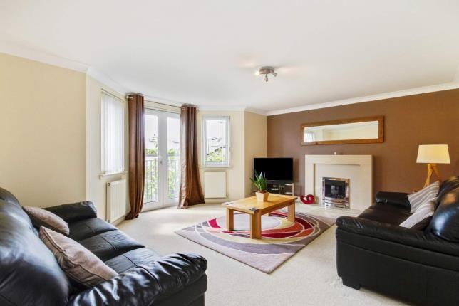 Living Room of Duntiglennan Road, Clydebank, West Dunbartonshire G81
