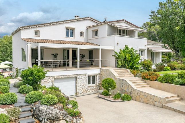 Villa for sale in Roquefort Les Pins, French Riviera, France