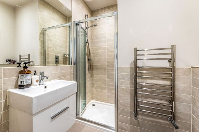 Shower Room of Beaconsfield Road, Epsom KT18