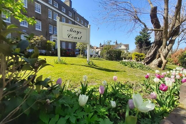 1 bed flat to rent in Mays Court, Crooms Hill, Greenwich SE10