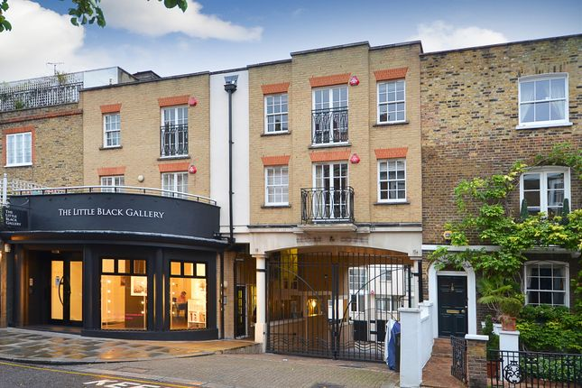 Thumbnail Mews house to rent in Peony Court, Park Walk, London