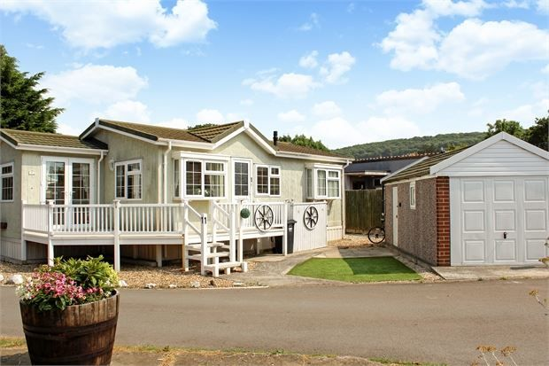 Thumbnail Mobile/park home for sale in Ash Road, Summer Lane Caravan Park, Banwell, North Somerset.