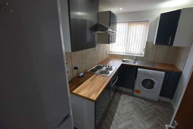 1 bed flat to rent in Narborough Road, Leicester LE3