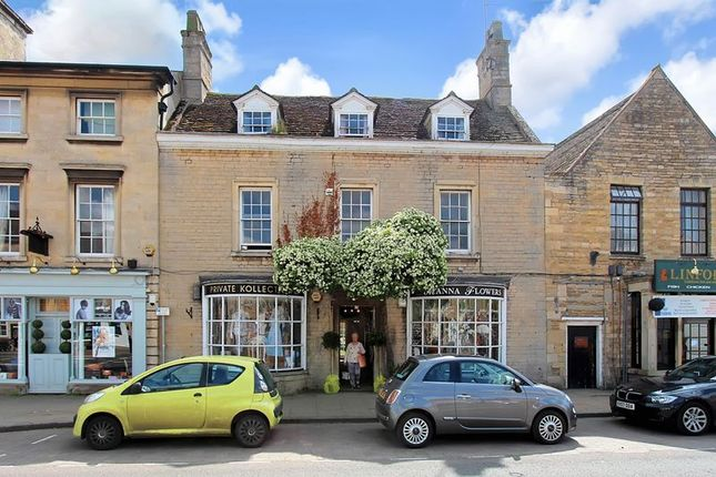 Thumbnail Flat to rent in Market Place, Market Deeping, Lincolnshire
