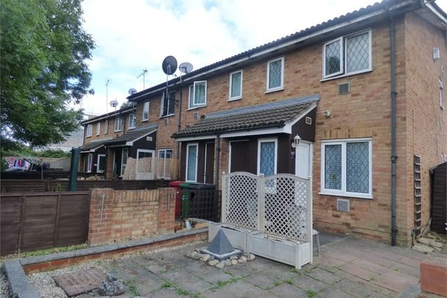 Thumbnail Detached house to rent in Meadowbrook Close, Colnbrook, Berkshire