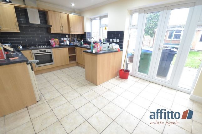 Thumbnail Semi-detached house to rent in Bristnall Hall Road, Oldbury, West Bromwich