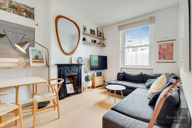 Thumbnail Flat for sale in The Cut, London
