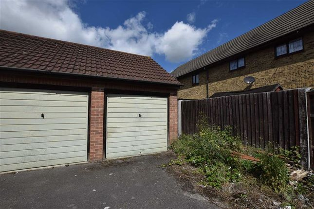 Parking/garage for sale in Charleston Avenue, Basildon, Essex