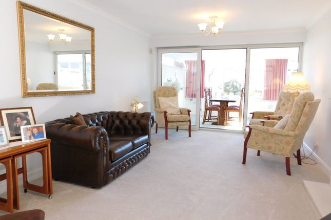 Lounge of Rookery Walk, Clifton, Shefford SG17