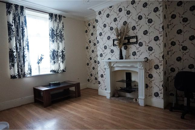 Thumbnail Terraced house to rent in Spring Hall Place, Halifax