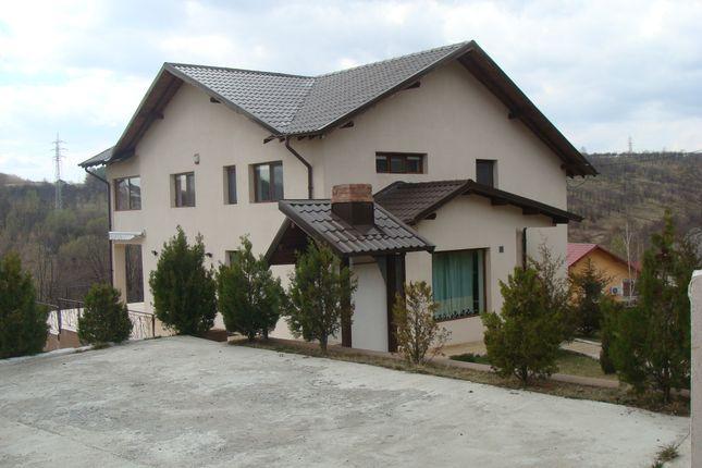 Thumbnail Villa for sale in Vălenii De Munte, Romania