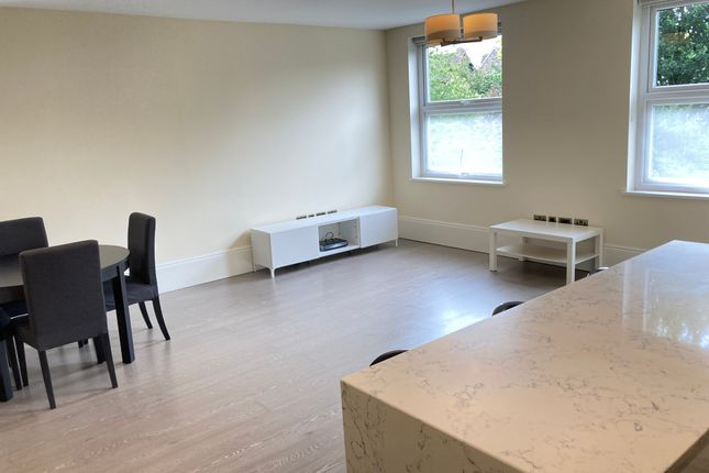 Thumbnail Flat to rent in Very Near The Grove Area, Ealing Broadway