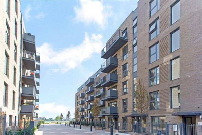 3 bed flat for sale in Lake House, Finsbury Park