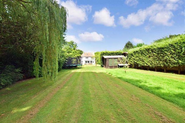Side Garden of Chapmans Hill, Meopham, Kent DA13