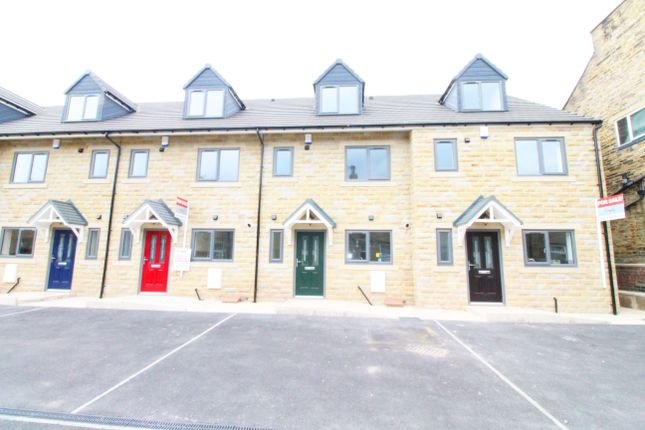 Thumbnail Town house for sale in Terry Road, Low Moor, Bradford