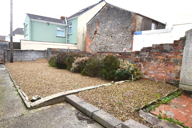 Garden 1 of Bush Street, Pembroke Dock SA72