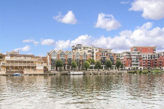 Thumbnail Flat to rent in Quayside Walk, Kingston Upon Thames, Surrey