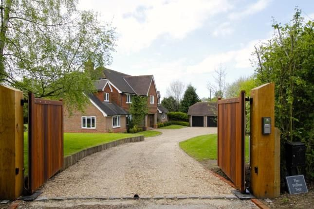 Thumbnail Detached house for sale in Faygate Lane, Faygate, Horsham, West Sussex