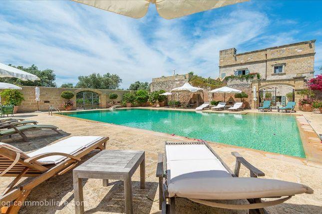 Thumbnail Farmhouse for sale in Sp3, Carpignano Salentino, Apulia