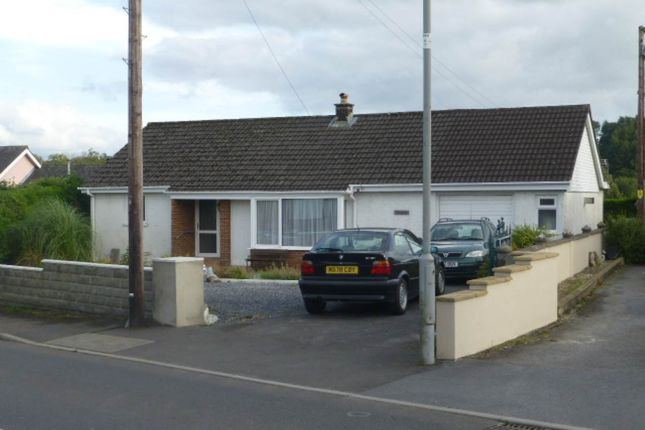 Thumbnail Bungalow to rent in Nantgaredig, Carmarthen