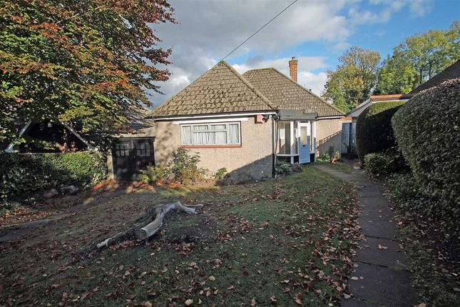 Thumbnail Bungalow for sale in Hartley Old Road, Purley