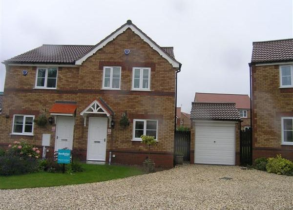 Thumbnail Semi-detached house to rent in Granville Road, Scunthorpe