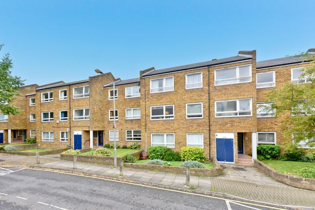 Thumbnail Flat for sale in Bartholomew Close, Wandsworth
