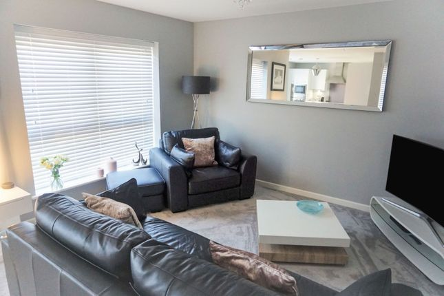 Living Room of Grayhills Row, Dundee DD2