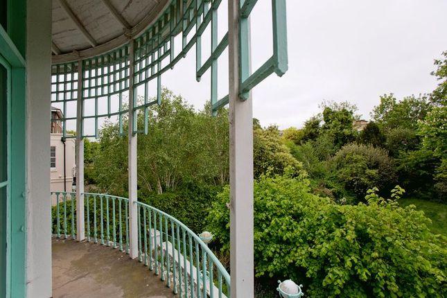 Balcony of Hamilton Terrace, St Johns Wood NW8