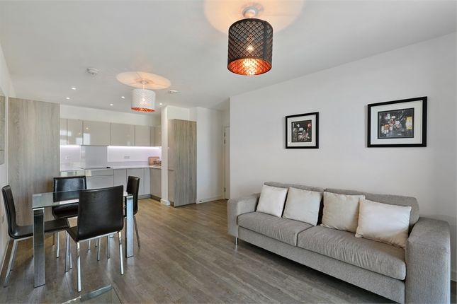 Thumbnail Flat for sale in Garda House, 5 Cable Walk, London