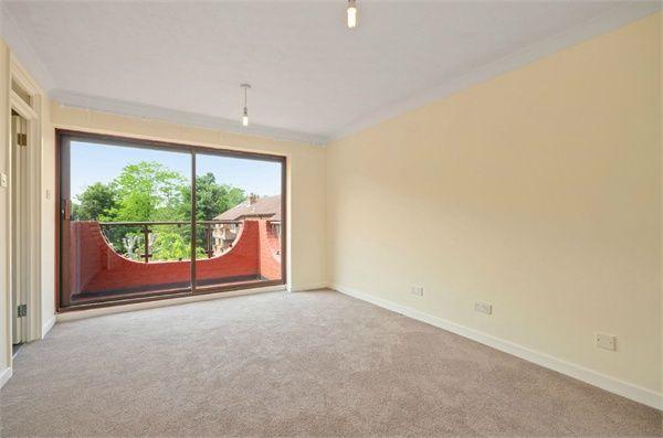 Thumbnail Flat to rent in Campion Close, South Croydon, Surrey