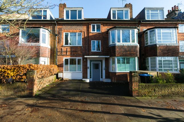 Thumbnail Flat to rent in Kingswood Avenue, London