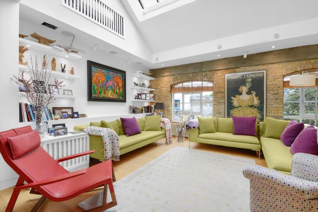 Thumbnail Flat for sale in Battersea Square, London