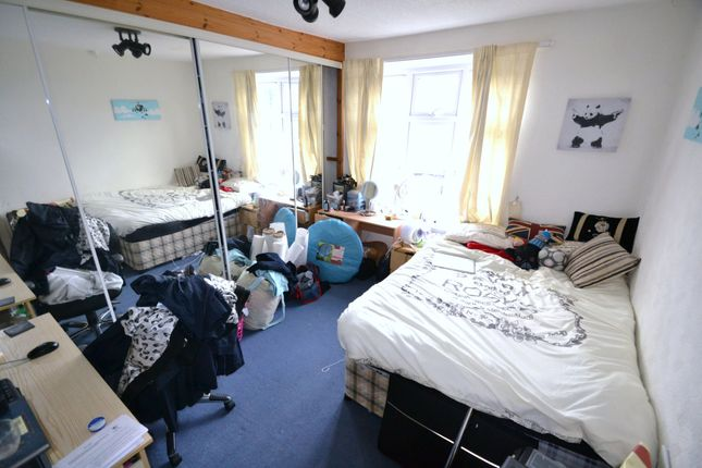 Bedroom of Gelligaer Gardens, Cathays, Cardiff CF24