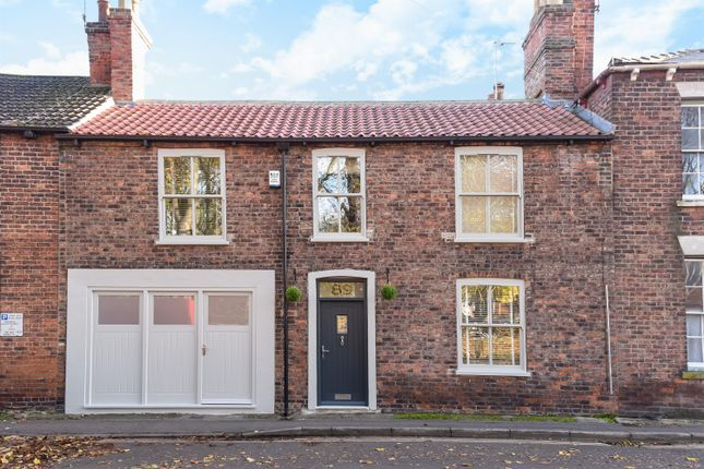 Thumbnail Terraced house for sale in Overlooking The Green, Lairgate, Beverley