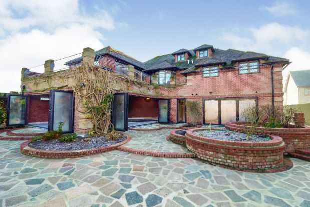 7 bed detached house to rent in Homestead Road, Billericay CM11