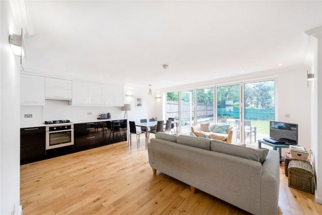 Thumbnail Property to rent in New Cross Road, London