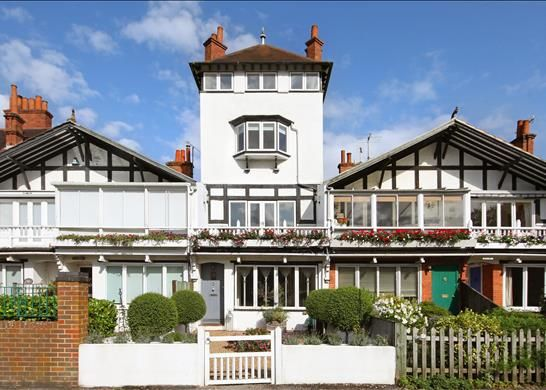 Thumbnail Terraced house for sale in River Road, Maidenhead, Buckinghamshire