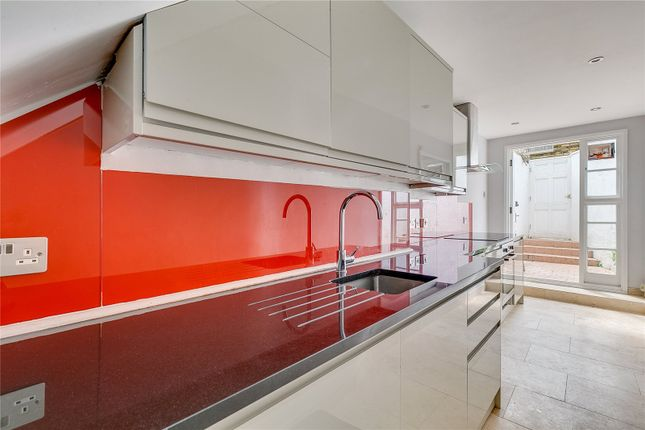 Thumbnail Mews house to rent in Moreton Terrace Mews North, London