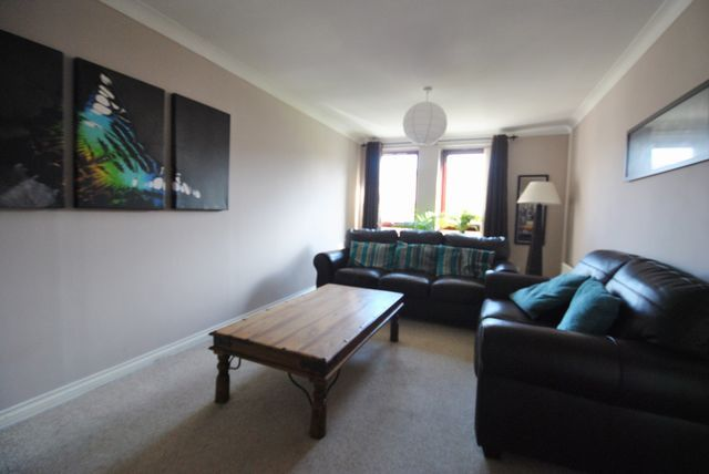 Thumbnail Flat to rent in South Campbell Street, Paisley, Renfrewshire PA2,