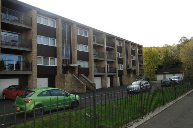 Thumbnail Flat to rent in Queens Court, Craigie, Perth