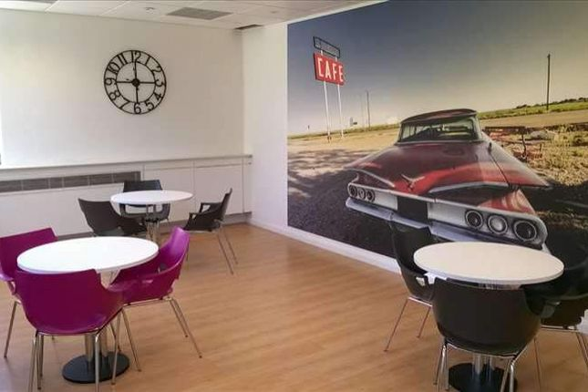 Serviced office to let in Gyleview House, Edinburgh